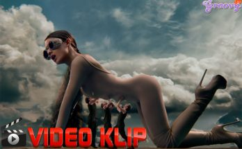 Video Klip God Is A Women